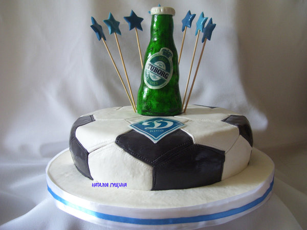 Торт футбольному фанату и любителю пива